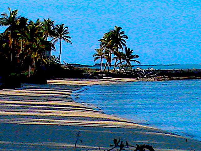 CARIBBEAN BEACH AND SHORE