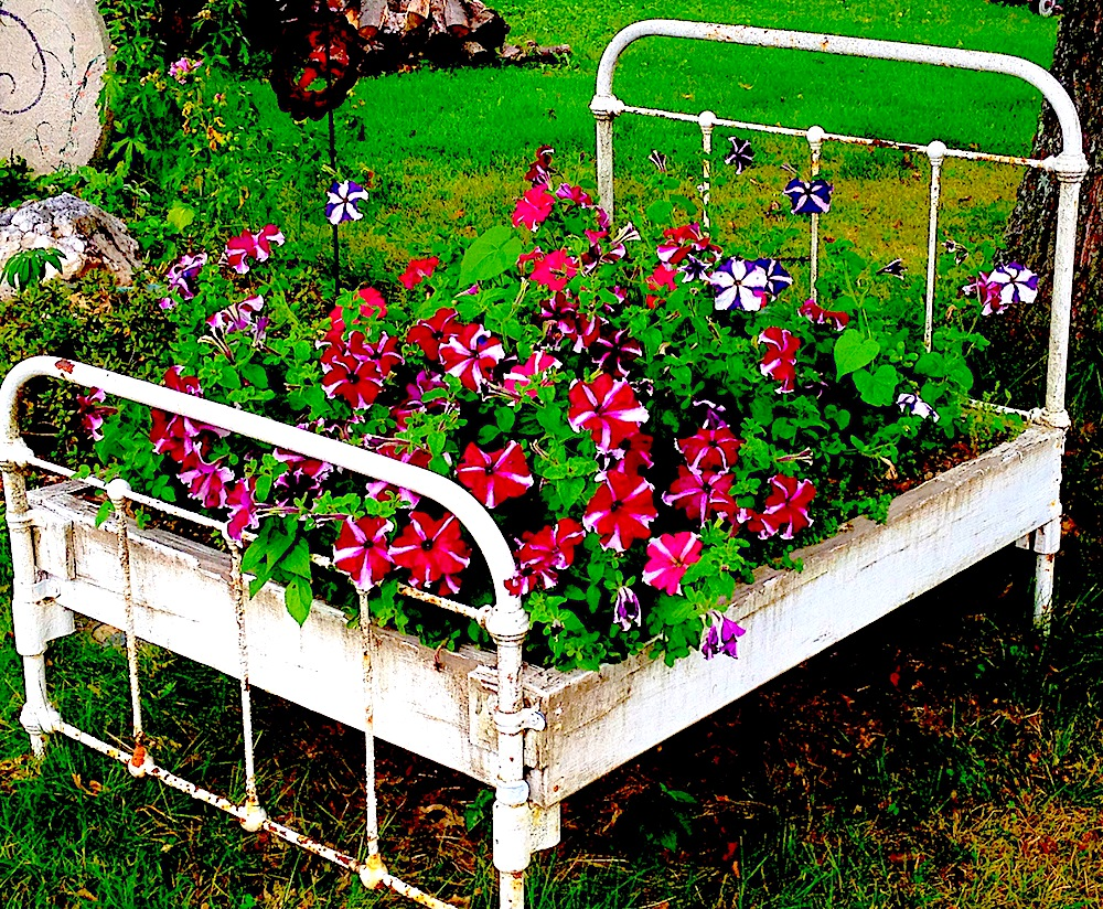 =================FLOWER-BED-IN-BED=============================================================================================================FLOWER-BED-IN-BED